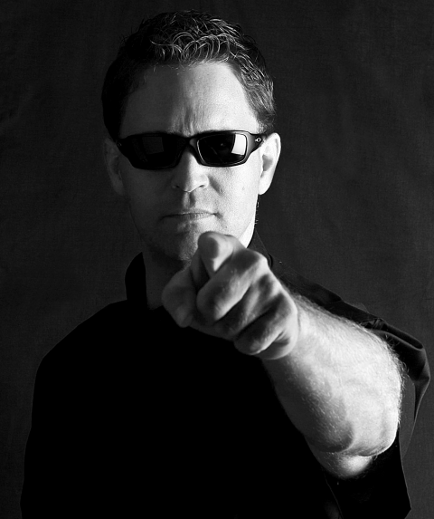 Hire the best sales keynote speaker, Wes Schaeffer, The Sales Whisperer® to command the attention and respect of your attendees.